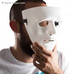 Masque visage anonyme en plastique