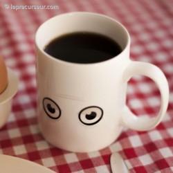 Mug thermo-réactif yeux fatigués