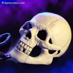 Crâne téléphone