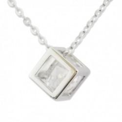 Collier et son pendentif cubique au faux diamant