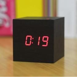 Réveil cubique LED