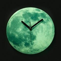 Horloge lune qui brille dans la nuit