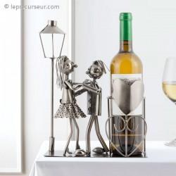Porte-bouteille couple amoureux en métal