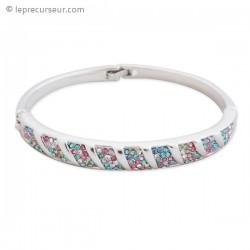 Bracelet argenté aux multiples strass multicolores