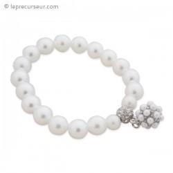 Bracelet élégant aux perles nacrées