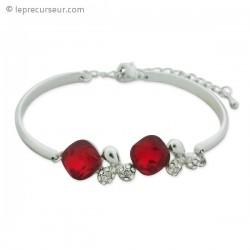 Bracelet aux doubles bijoux en pierre rouge et strass