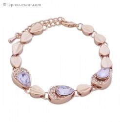 Bracelet doré aux 13 bijoux, strass et faux cristal mauve