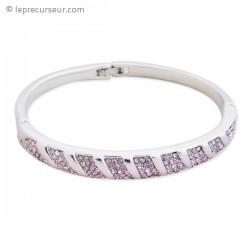 Superbe bracelet argenté aux strass mauves