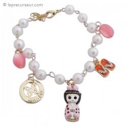 Bracelet de perles et breloques colorées