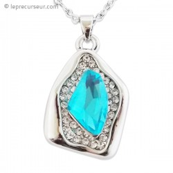 Collier pendentif strass et fausse pierre turquoise