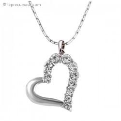 Collier argenté avec pendentif coeur à strass transparent