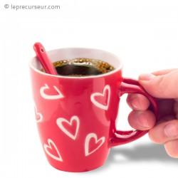 Tasse en céramique coeurs avec petite cuillère